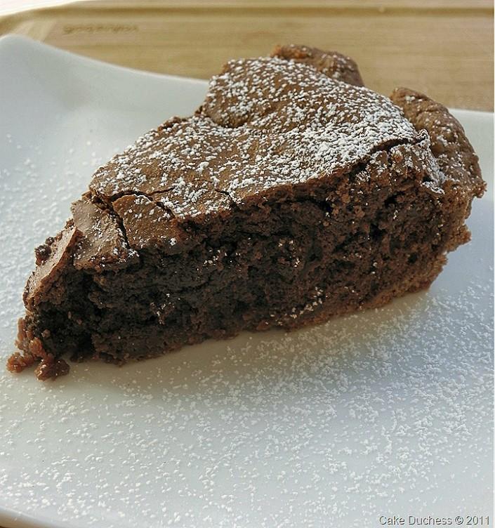 overhead image of brownie pie