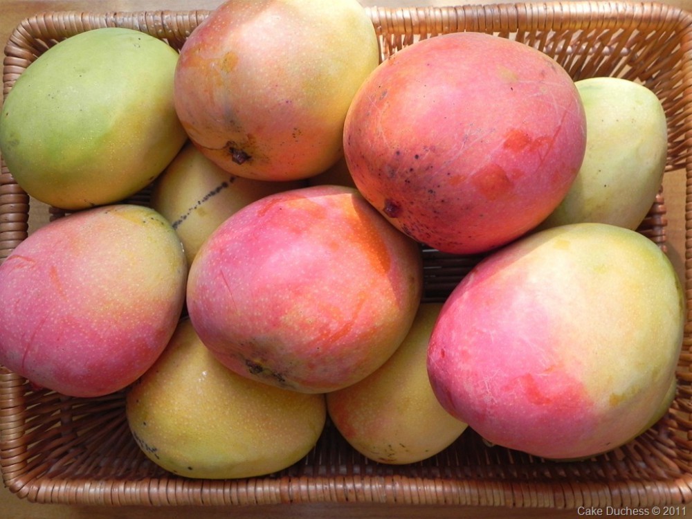 overhead image of mangoes