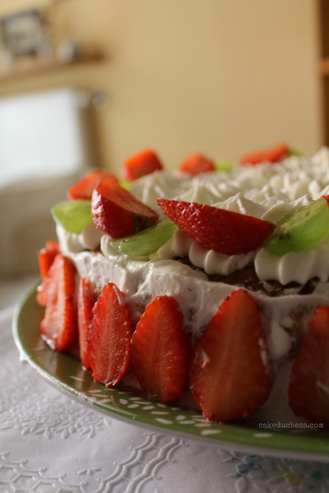 Sponge Cake with Whipped Cream and Strawberries