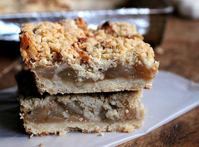 Brown Butter Apple Cinnamon Crumb Bars