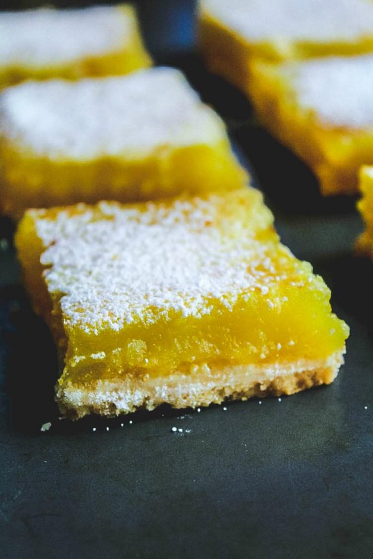 overhead image of easy lemon bars