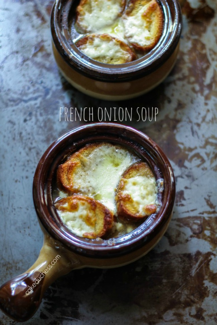 overhead image of french onion soup