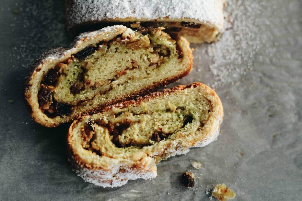 Pistachio Cream Nut Roll-Pane Dolce Uvetta, Noci e Crema di Pistacchio