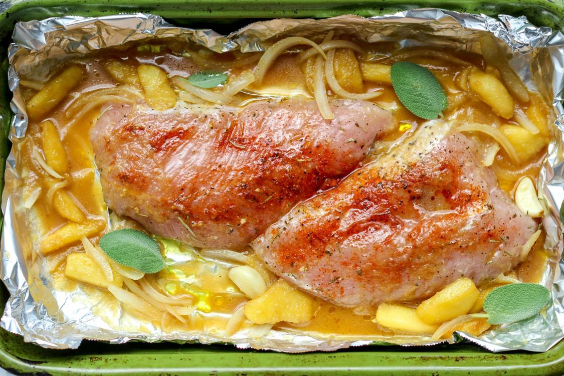 overhead image of apple and onion turkey tenderloin