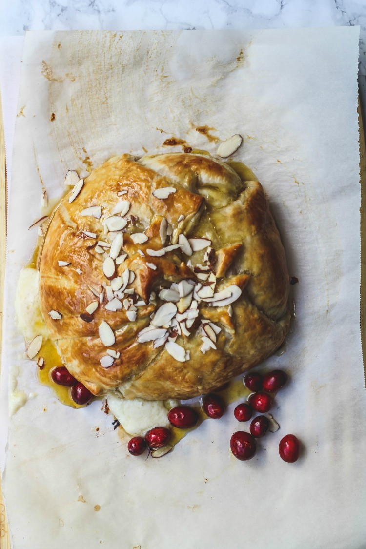overhead image of baked brie in puff pastry